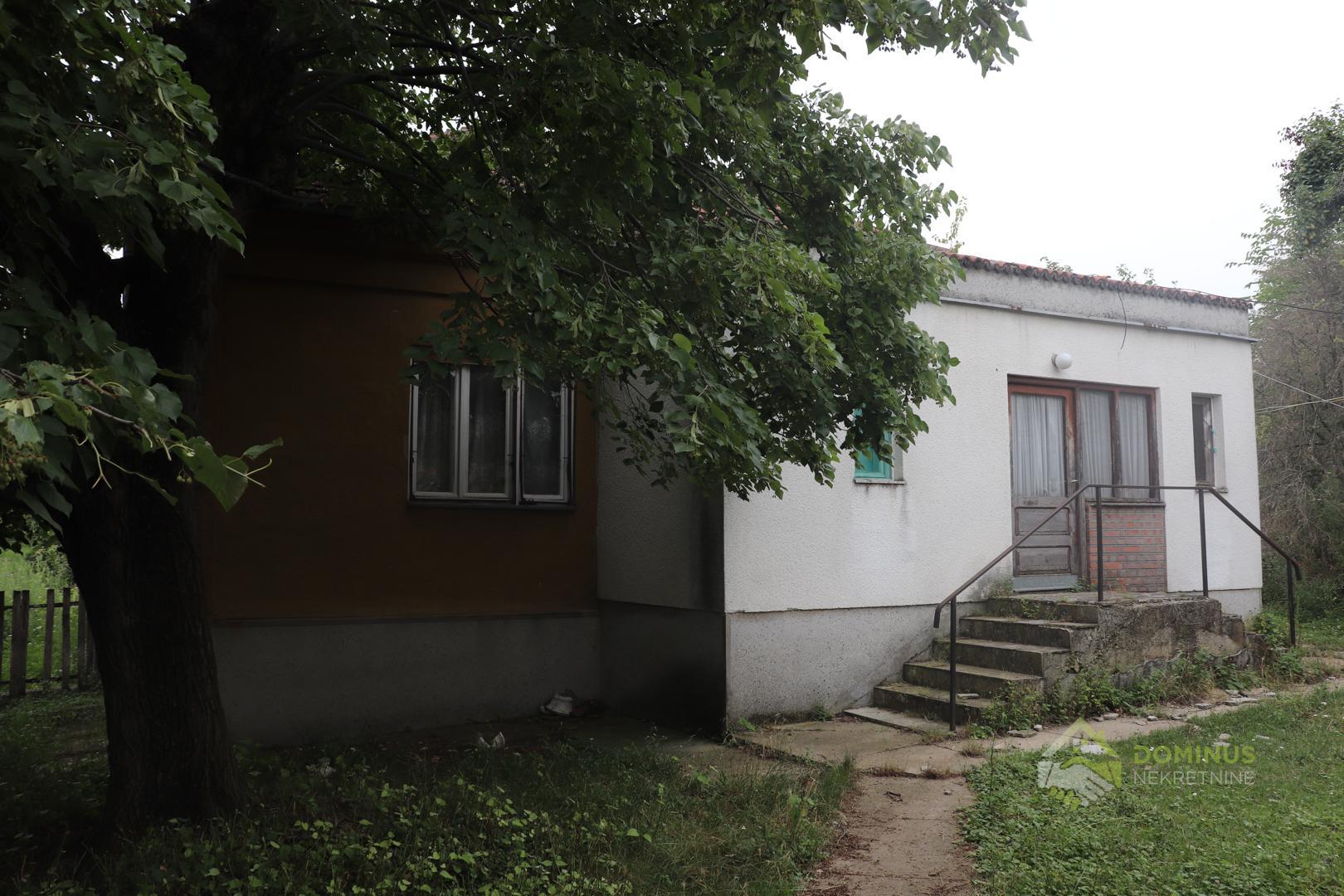 Seosko domaćinstvo 147m2, 4.05.00ha zemljišta, Banja Aranđelovac