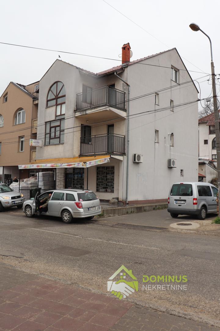 Кuća sa poslovnim prostorom 340m2, Ješovac Aranđelovac