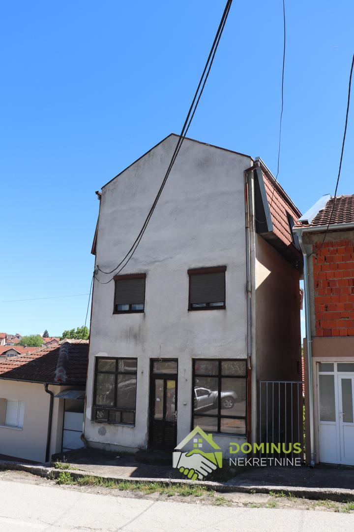 Kuća 200m2, 1a placa, Ješovac Aranđelovac
